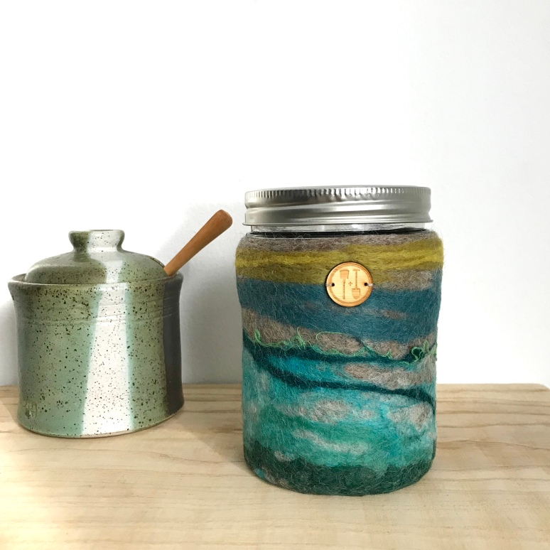 Insulating Woolly Jar